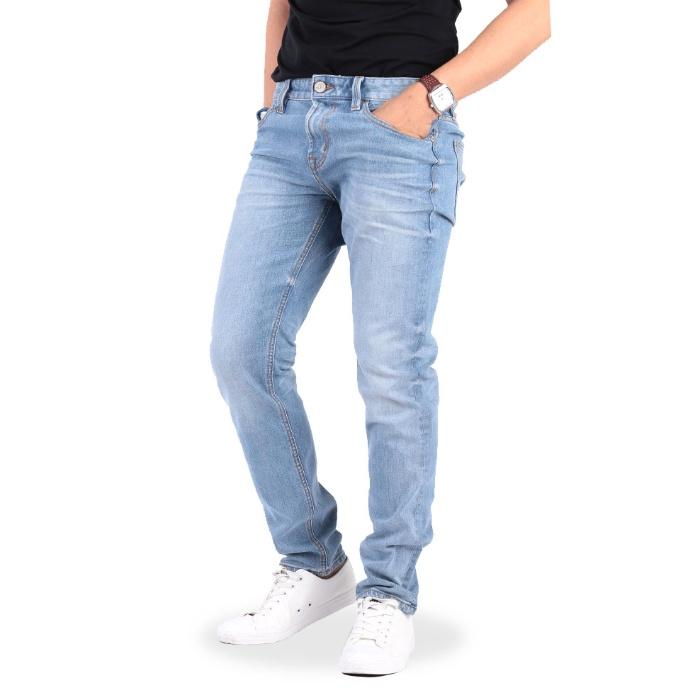 Mộng thấy bạn trai cũ mặc quần Jeans