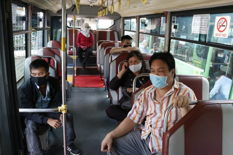 Ngủ mơ thấy người lạ bị xé áo trên xe buýt hãy ghi ngay cặp số may mắn sau 39 - 90.