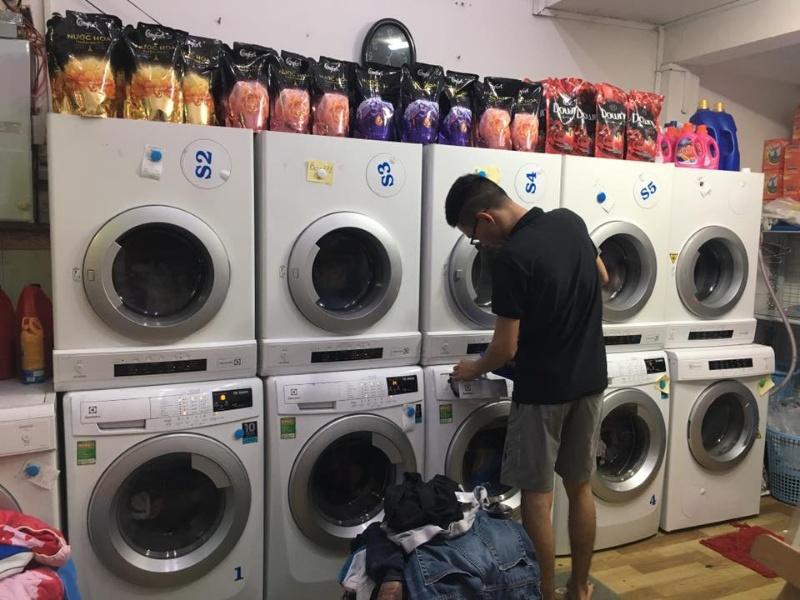 Chiêm bao thấy xe tải đâm vào tiệm giặt ủi hãy chốt cặp số 23 - 65.